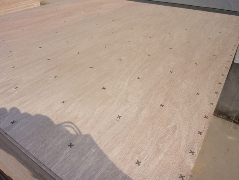 Underlayment Plywood with nail pattern